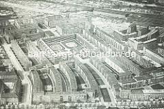 Altes Luftbild von der Hamburger Jarrestadt - im Vordergrund die Jarrestrasse, in der Bildmitte führt die Hölderlinsallee zum Schneider Wohnblock; lks. der Jean Pauls Weg.
