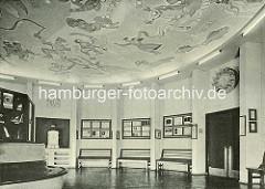 Historische Innenansicht vom Hamburger Planetarim - Deckenmalerei.