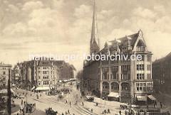 Blick vom Rathausplatz in die Mönckebergstrasse in der Hamburger Innenstadt / Altstadt. Geschäfte mit Markisen vor den Schaufenstern, Pferdefuhrwerke und Strassenbahn.