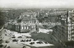 Luftaufnahme von der Hamburger Musikhalle in der Neustadt - erbaut 1908, Architekten  Martin Haller und Emil Meerwein. Jetzt Laeiszhalle am Johannes Brahms Platz / früher Karl Muck Platz.