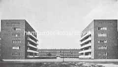 Blick über die Stammannstrasse in Hamburg Winterhude zum zentralen Wohnblock in der Jarrestadt - Entwurf Karl Schneider.