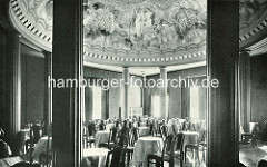Innenansicht Gaststätte Stadthalle beim Hamburger Stadtpark.