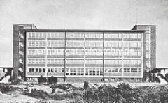 Historische Ansicht der Schule Meerweinstrasse in der Hamburger Jarrestadt - Entwurf Fritz Schumacher.