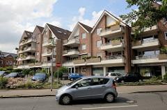 Wohnhäuser an der Bergstrasse / Rosenplatz in Reinbek; moderne Architektur der 1980 er Jahre.