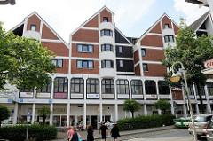 Geschäftszentrum mit Wohnungen an der Bergstrasse in Reinbek, Kreis Stormarn.