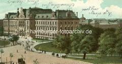 Historische Ansicht vom Sievekingplatz in der Hamburger Neustadt - Blick auf das Strafjustizgebäude; die Grünanlage re. gehört zu den Wallanlagen.