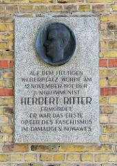 Gedenktafel Herbert Ritter, der am 12. November 1931 als Jungkommunist im damalen Nowawes von Faschisten ermordet wurde.