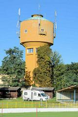 Wasserturm beim SOKOL Sportplatz in Terezin, Wohnmobil - Stellplatz.