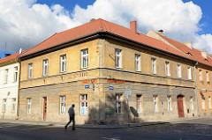 Wohnhäuser, Geschäftshäuser in Terezin, Theresienstadt.
