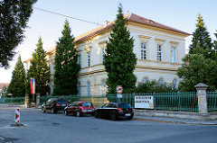 Ehem. Schulgebäude in Terezin, Theresienstadt - jetzt Ghetto-Museum.