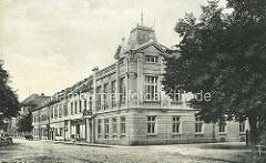 Historische Architektur aus Theresienstadt - Gebäude der K. u. K. KorpsOffiziersschule.
