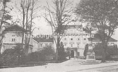 Historisches Bild vom Schloss Oranienburg - das älteste Barockschloss in  Brandenburg. In der Regierungszeit Friedrichs III./I. (1688 – 1713) wurde Oranienburg eine der bedeutendsten Schloss- , Garten- und Stadtanlagen in der Mark Brandenburg.