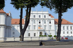 Schloss Oranienburg - das älteste Barockschloss in  Brandenburg. In der Regierungszeit Friedrichs III./I. (1688 – 1713) wurde Oranienburg eine der bedeutendsten Schloss- , Garten- und Stadtanlagen in der Mark Brandenburg.