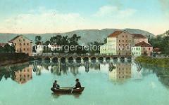 Altes Bild aus Terezín / Theresienstadt, Ruderboot auf der Ohře / Eger - im Hintergrund die Brücke über den Fluss.