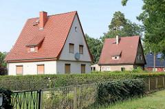 Einzelhäuser mit Satteldach / Spitzdach in Oranienburg - Bernauer Strasse.