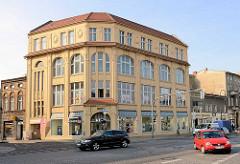 Jugendstil Kaufhaus, Geschäftsgebäude in der Bernauer Strasse von Oranienburg.