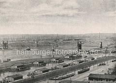 Historische Ansicht von den Elbbrücken über die Norderelbe bei Hamburg Rothenburgsort / Veddel. Im Vordergrund die Entenwerder Zollstation und der Haken; re. die Einfahrt zum Oberhafenkanal / Billehafen.