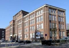 Gebäude, sogen. Hansaburg in Hamburg Hamm; erbaut 1915 als Papierfabrik, Architekt  Heinrich Schöttler.