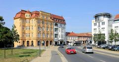 Historisches Bürgerhaus in der Bernauer Strasse von Oranienburg - mehrstöckige Jugendstilarchitektur.