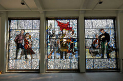 Wandbild im Foyer der Gedenkstätte Sachsenhausen, farbiges Bleiglas - Internationaler Widerstandskampf gegen den Faschismus - 1961, Walter Womacka.f