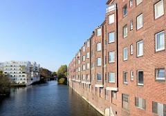 Backstein-Wohnblocks am Mittelkanal / Eiffestrasse in Hamburg Hamm..