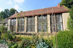 Orangerie im Park Rheinsberg - Zitrus und andere Kübelpflanzen, die im Sommer im Rheinsberger Schlosspark standen überwinterten in der Orangerie.
