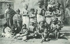 Indische Völkerschau von Gustav Hagenbeck - historisches Motiv, indische Kinder - Jungen und Mädchen / Gruppenaufnahme.