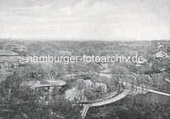 Historische Luftaufnahme vom Hamburger Zoologischen Garten am Dammtor, lks. ist die Ruine vom Eulenturm zu erkennen.