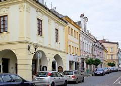 Barockarchitektur; Wohnhäuser mit Barockfassade / Dekor in Kolin, Tschechien.