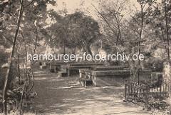 Begräbnisstätte der St. Petrikirche am Dammtor - die Hamburger Hauptkirchen hatten ihre Begräbnisstätten ausserhalb der Wallanlagen.