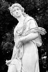 Skulptur der Jahreszeit - Orangerie Pavillion / Salon im Schlosspark Rheinsberg.