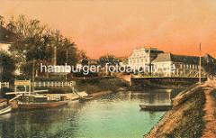 Historische Aufnahme der Havel in Oranienburg, Dampferanlegestelle und Restaurant Louisenbad - im Hintergrund das Oranienburger Schloss.