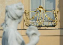 Goldene Fensterbrüstung -  Rheinsberger Schloss.