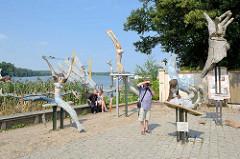 Skulpturen am Rheinsberger Bollwerk - Künstler Tony Torrilhon.