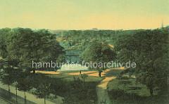Blick über die historischen Wallanlagen in Hamburg.