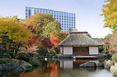 Teehaus im Japanischen Garten von Planten un Blomen in der Hamburger Innenstadt.