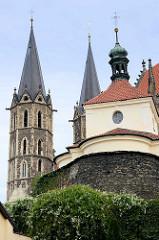 Kirchtürme vom Dom in Kolín, St. Bartholomäus Kirche aus dem 13. Jahrhundert - Architekt Peter Parler.