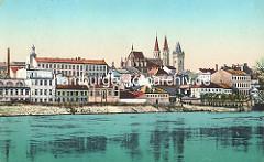 Coloriertes altes Panorama der tschechischen Stadt Kolin an der Elbe - Industriegebäude am Ufer, im Bildzentrum der Dom St. Bartholomäus.