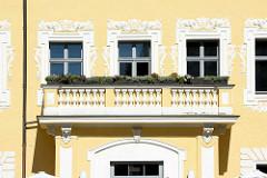 Balkon und Stuckdekor am Oberamtshaus vom Schloss Lübben.