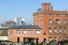 Historische Gewerbearchitektur - Ziegelgebäude, Hafenstrasse der Hansestadt Lübeck.