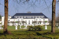Ehem. Kasino vom Hochofenwerk in Lübeck Herrenwyk - jetzt Seniorenwohnheim.