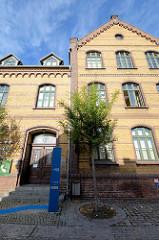 Ziegelgebäude - gelber Klinker; Informationszentrum Haus für Mensch und Natur in Lübbenau, Spreewald.