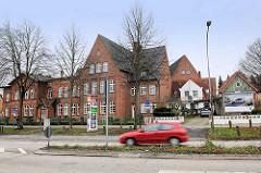 Ehem. Schulgebäude, Lehranstalt Grund- und Hauptschule in der August Bebel Strasse in Lübeck Moisling.