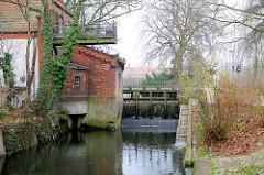 Historische Wassermühle am Lübecker Mühlenteich.
