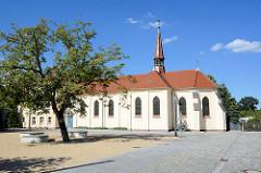 St. Trinitatis Kirche in Lübben; römisch katholische Kirche; ursprünglich erbaut 1863 - umfassender Umbau  1906.