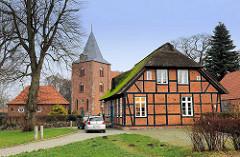 Backsteingotik - Kirche St. Georg in Genin - Lübeck Moisling; erstmals 1286 urkundlich erwähnt.