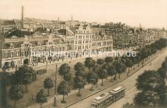 Historisches Luftbild vom Spielbudenplatz auf Hamburg St. Pauli - lks das Panoptikum, in der Bildmitte die Taubenstrasse und im Hintergrund die Davidstrasse.