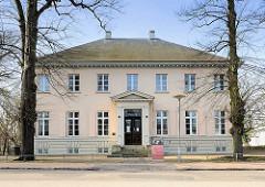 Villa Eschenburg - erbaut um 1800, Architekt Christian Frederik Hansen - Landhaus, jetzt Brahms-Institut.