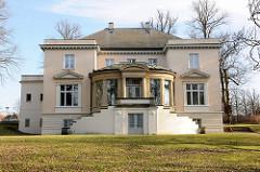 Gartenseite der Villa Eschenburg - erbaut um 1800, Architekt Christian Frederik Hansen - Landhaus, jetzt Brahms-Institut.