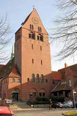 Backsteinkirche St. Gertrud in der Hansestadt Lübeck - Namensgeberin die Heilige Gertrud von Nivelles - geweiht 1910, Entwurf Architekten Jürgensen und Bachmann.